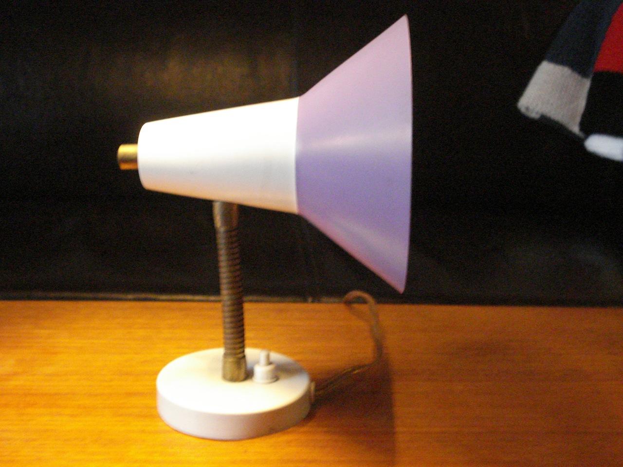 V u00e6glampe m flexstamme og indstilleligt lampehoved u2013 retro