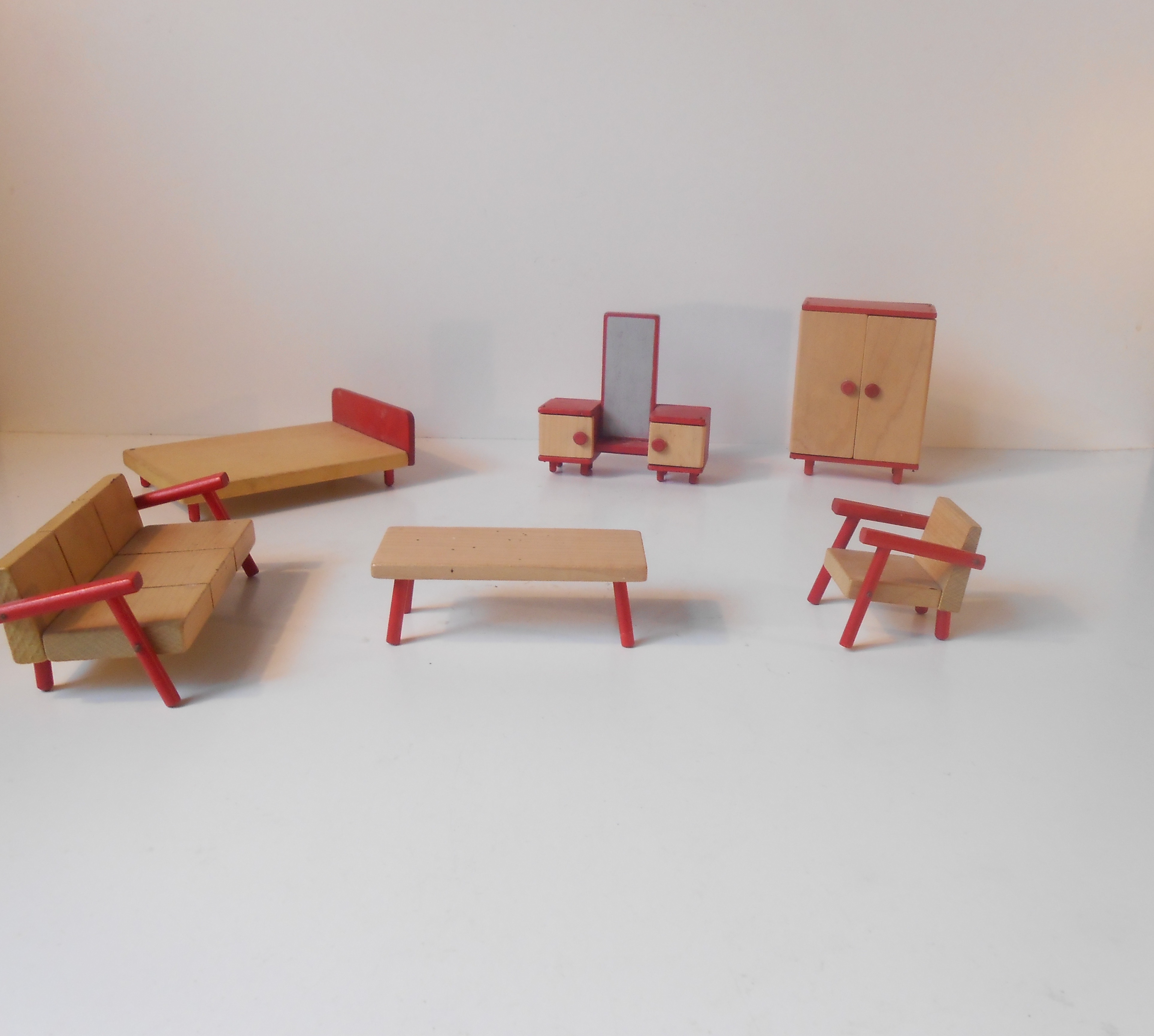 Retro mikro møbler – dukkehus interiør – retro-design.dk